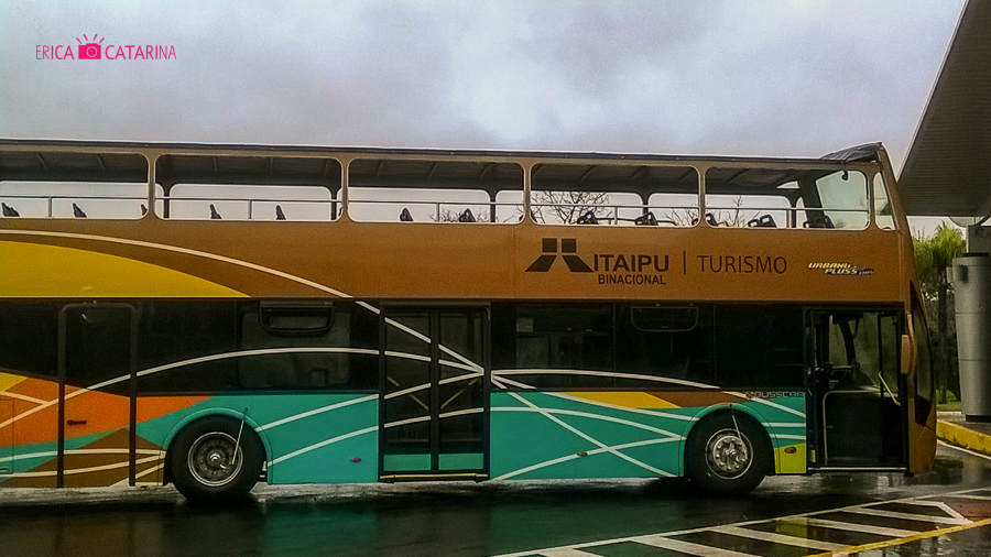 O maravilhoso ônibus somente para dias ensolarados !!! kkkkkk