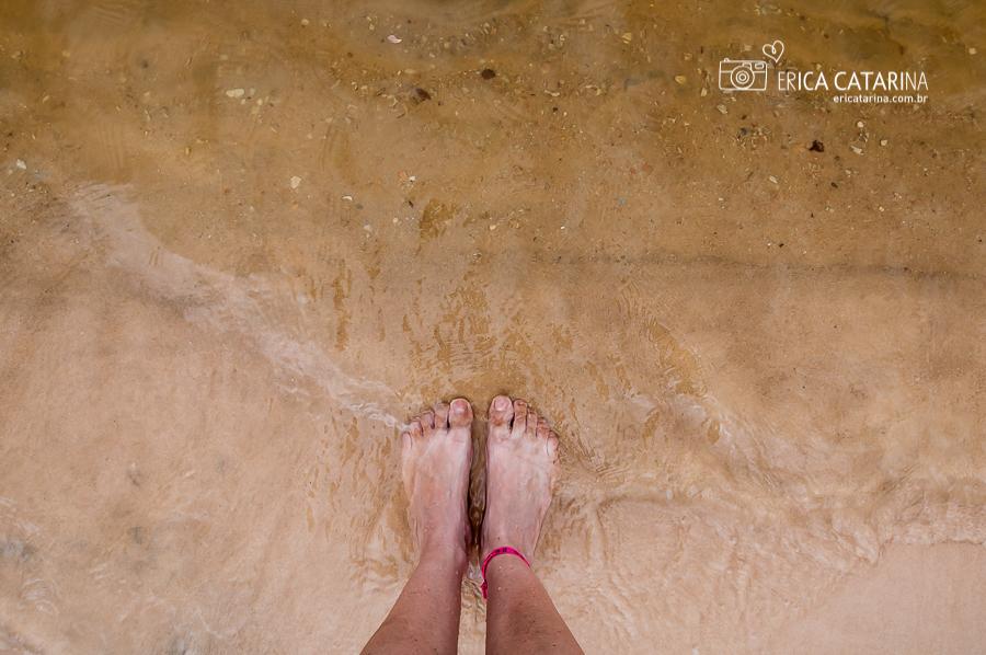 Diferente do Rio Negro a água do Rio Tapajós é transparente.